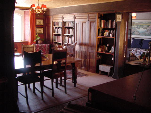 Meander Suite Dining/Sitting Room
